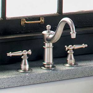 08-kitchen-faucets