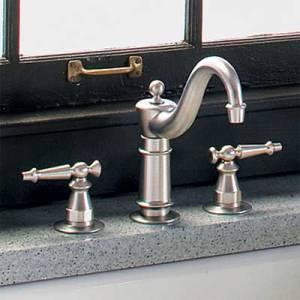 08-kitchen-faucets